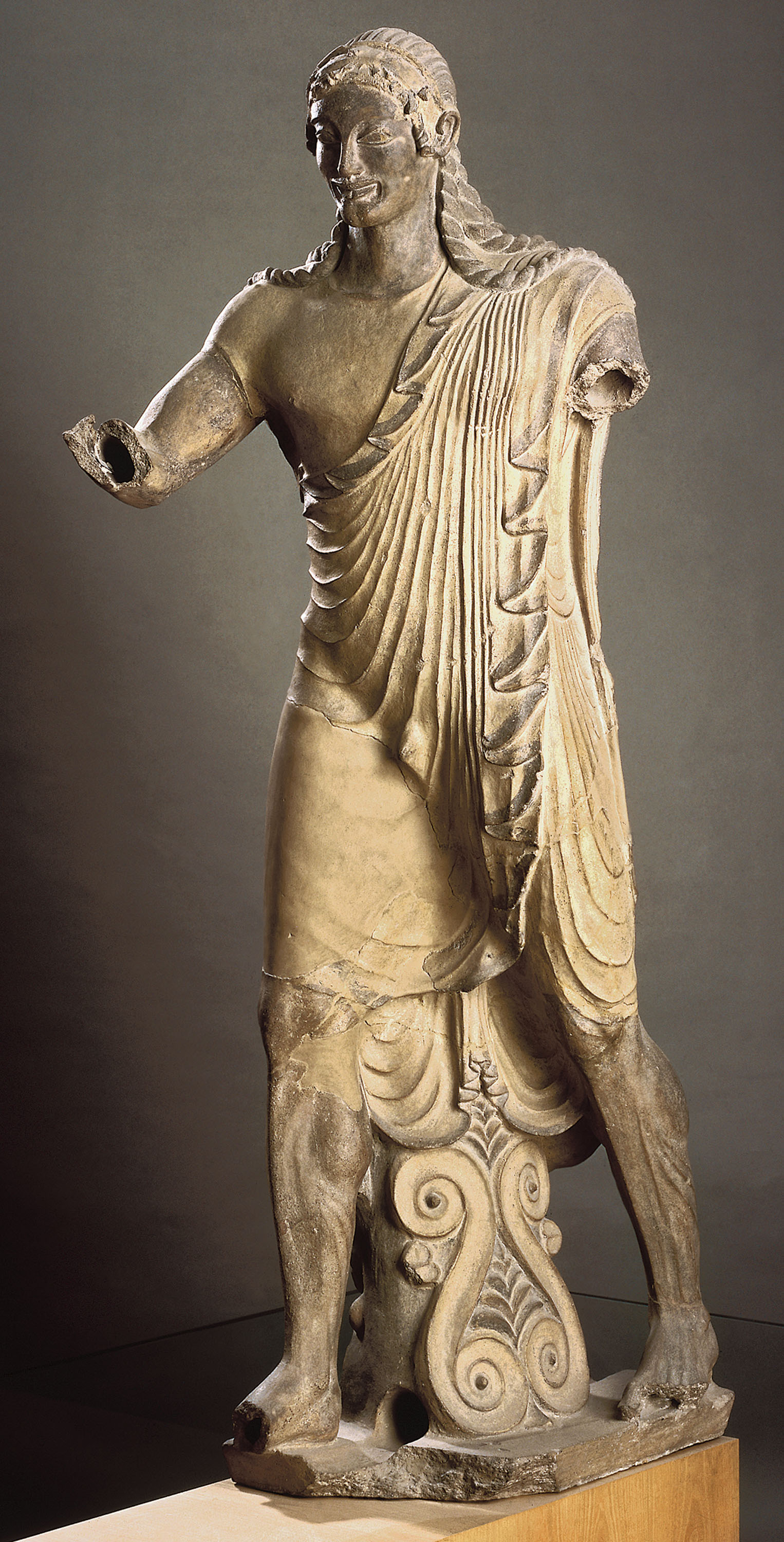 a brief history of the sculpture aphrodite of knidos by sculptor praxiteles See: history of sculpture praxiteles (375-335 bce) one of the most famous and greatest sculptors of ancient greece, praxiteles' career bridged the late classical period and the hellenistic period of greek art.